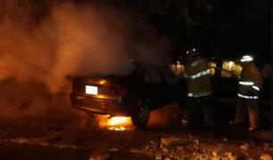 Moderno vehículo ardió en llamas en plena avenida Javier Prado