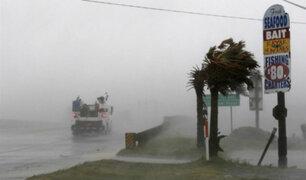 Huracán Florence toca tierra y causa destrozos e inundaciones en EEUU