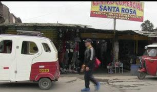 VES: Grupo de delincuentes robó 15 puestos del mercado Santa Rosa