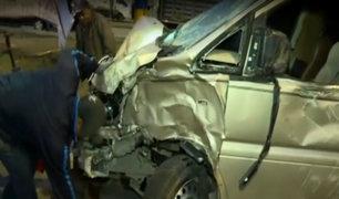 VES: violento choque entre minivan con camión deja un muerto
