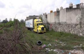 Espeluznante: abandonan tráiler con 157 cadáveres en México