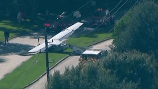 EEUU: avioneta se estrella contra autos en Texas