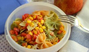 ¿Calientas tu comida en táper? Conoce los riesgos a los que te estarías exponiendo