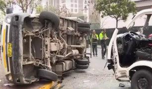 Miraflores: al menos cuatro heridos tras violento choque en av. Camino Real