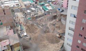 VIDEO: captan instante en que se produce un derrumbe dentro de un condominio en Surco