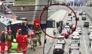 La Victoria: camión de caudales se vuelca en la Vía Expresa