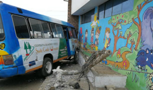 Trujillo: escolares salvan de morir tras despiste de vehículo