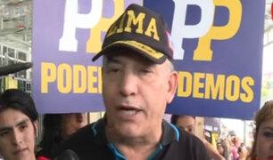 Daniel Urresti recorre calles de Lima en su último día de campaña