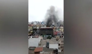 Miraflores: fuego consumió parte de conocido bar