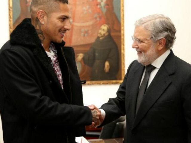Paolo Guerrero se reunió con miembros del Tribunal Constitucional