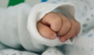Bebé de nueve meses tragó resorte de metal