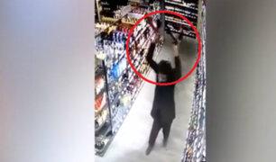 Alemania: musulmán entró a supermercado y rompió varias botellas de licor