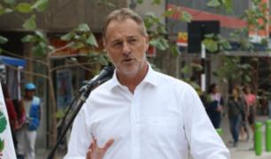 Candidato Jorge Muñoz continúa recorriendo las calles limeñas