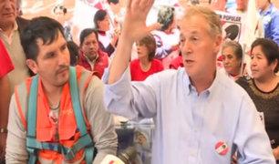 Jorge Muñoz continúa recorriendo las calles a solo horas del cierre de campaña