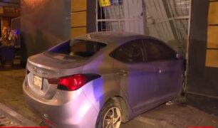 Cercado de Lima: persecución y balacera tras robo de auto