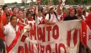 EE.UU: cientos de hinchas se hicieron presentes para respaldar a la 'Blanquirroja'