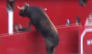 Huari: embravecido toro escapa del ruedo y hiere a dos personas