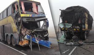 Arequipa: choque de bus interprovincial y tráiler deja cuatro muertos