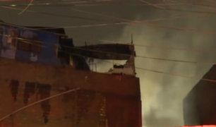 Cercado de Lima: incendio destruye solar donde viven 24 familias