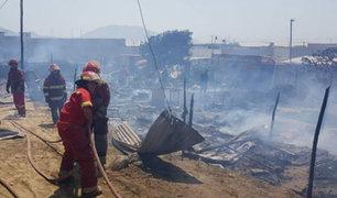 Voraz incendio consumió unas 20 viviendas en Nuevo Chimbote