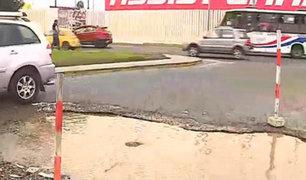 Callao: enormes huecos dificultan tránsito en salida de aeropuerto Jorge Chávez