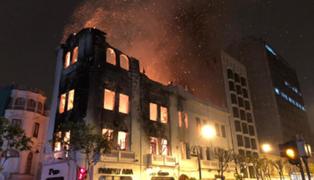 Plaza San Martín: Ministerio de Cultura evaluará si edificio incendiado puede ser recuperado