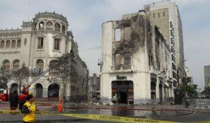 Jorge Muñoz se pronuncia sobre incendio en edificio histórico de Plaza San Martín