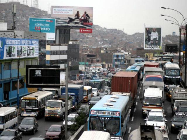 Lima registra puntos críticos de tráfico ante fiestas navideñas