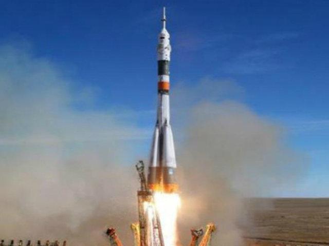 Kazajistán: astronautas sobrevivieron tras aterrizaje de emergencia