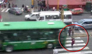 Centro de Lima: bus atropella a mujer con bebé en brazos en la Av. Abancay