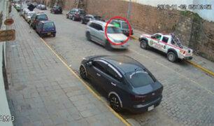 Cusco: chofer arrastra a policía con su auto para evitar papeleta