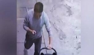 La Victoria: ladrón roba coche de bebé de condominio