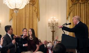 Casa Blanca retira credencial a periodista de CNN que discutió con Donald Trump