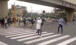 San Borja: motociclistas que brindan servicio de taxi se pelean por operar en la zona