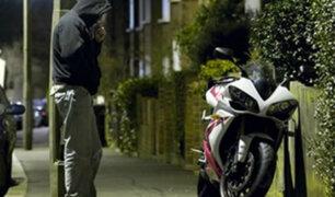 Niña de 13 años denuncia que motorizado la raptó en exteriores de colegio en Los Olivos
