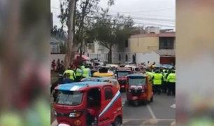 Surco: mototaxistas y fiscalizadores se enfrentaron violentamente