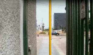 La Victoria: instalan barra de metal que dificulta acceso peatonal