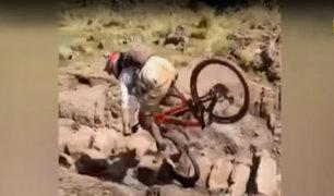 Ciclista casi pierde la vida tras protagonizar estrepitosa caída en ruinas de Pisac
