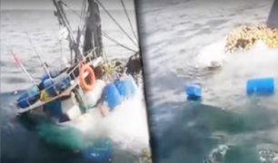 Arequipa: graban momento cuando embarcación naufraga en el puerto de Ático