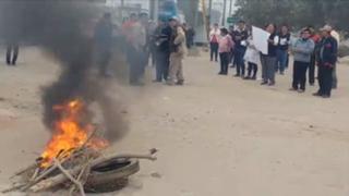 Protestan en contra de alza de peajes en Puente Piedra