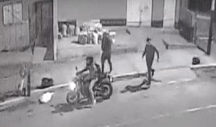 Dos delincuentes armados roban motocicleta en Chorrillos