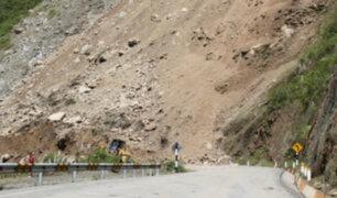 Madre de Dios: huaico arrasa con un tramo de la Carretera Interoceánica