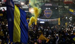 Argentina: hinchas de Boca realizaron banderazo para despedir al equipo