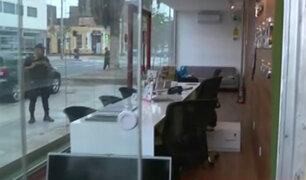 Santa Beatriz: intentan robar artefactos de caseta de información en condominio