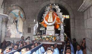 La Libertad: cientos de fieles acompañan procesión de Virgen de la Puerta