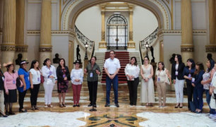Presidente Martín Vizcarra  se reunió con las 88 alcaldesas electas