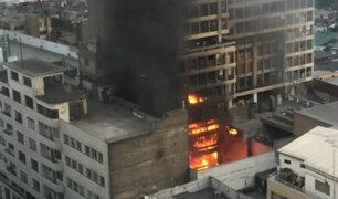 Cercado de Lima: voraz incendio consume edificio de ex Cooperativa Santa Elisa