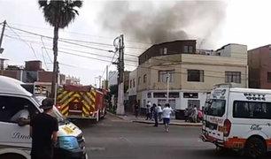 Tres niños fallecieron durante voraz incendio en el Callao