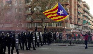 Miles de independentistas catalanes protestan contra el Gobierno español