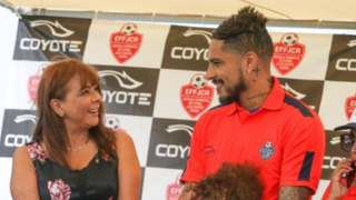 Paolo Guerrero es reconocido como Embajador de Lucha contra la Anemia